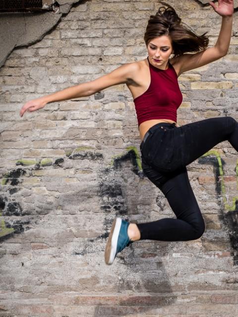 streetdancetjej hoppar